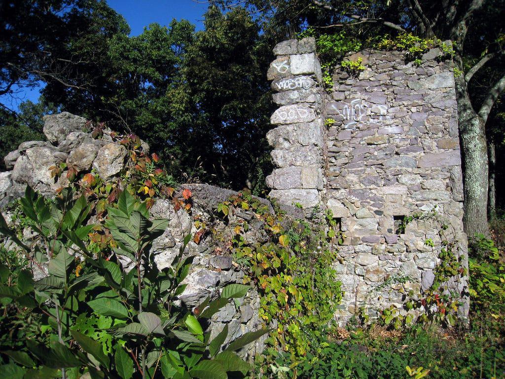 Ruinas del refugio Overlook de Franklin Park, Boston