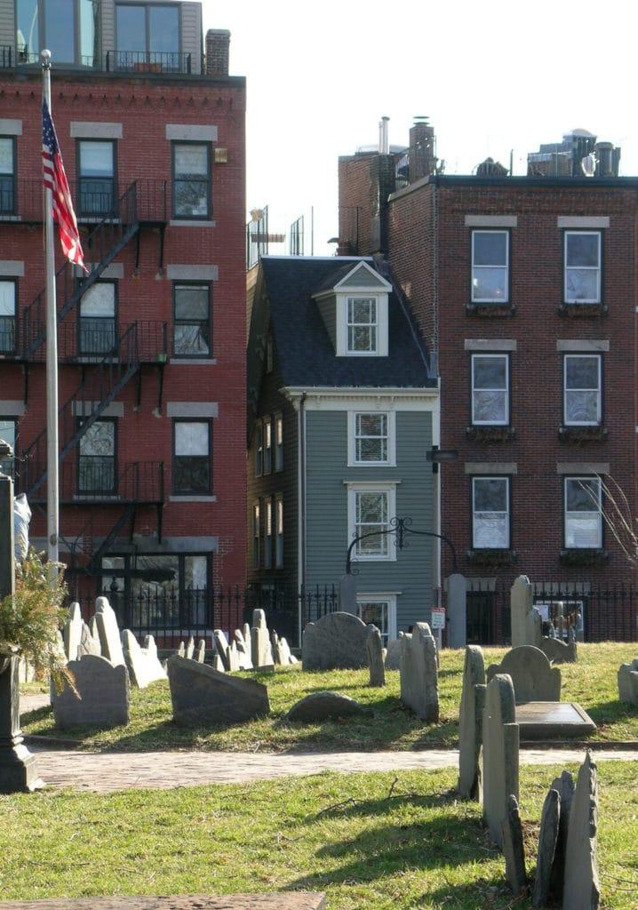 Casa flaca, Boston